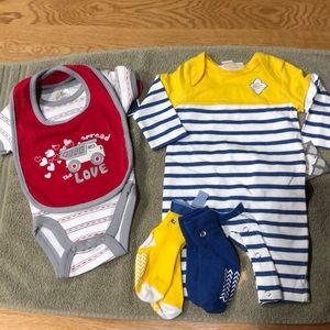 2 newborn outfits